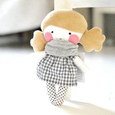 öltöztetős textil baba
