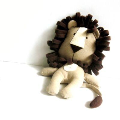 oroszlán plüss játék
